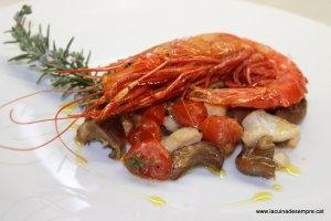 Gambot amb remenat de rovellons, bacallà i tomàquet al romaní