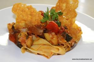 Pappardelle amb verduretes i bacallà