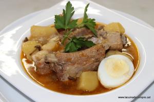 Patates estofades amb costella de porc i moixernons