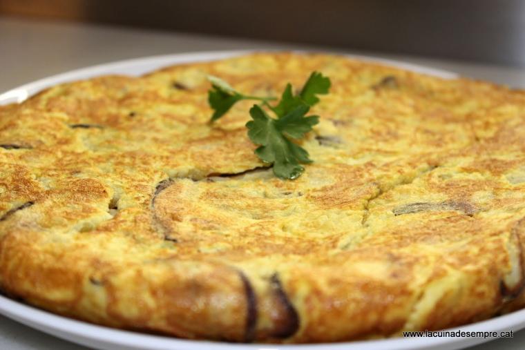 Truita de patates sucosa amb shiitake