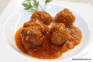 Mandonguilles amb salsa