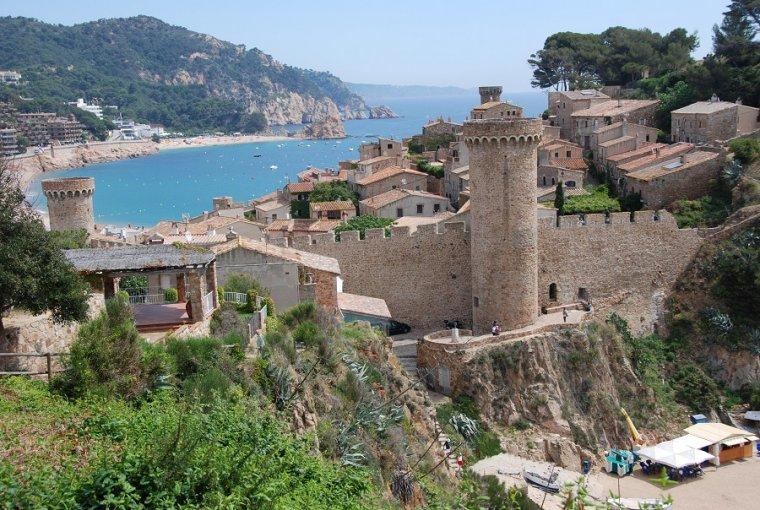 Catalunya m 39 agrada tossa de mar el parad s blau llocs for Oficina de turismo tossa de mar