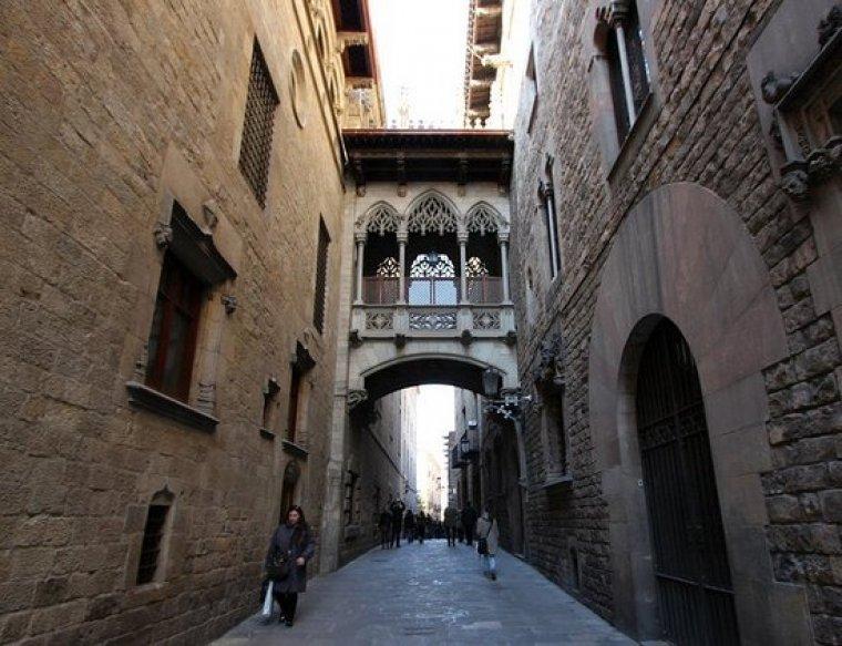 Pont del carrer del Bisbe