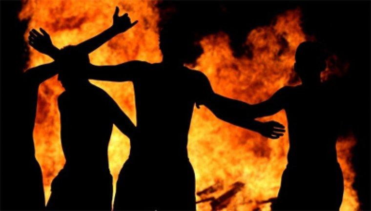 Hi ha molts rituals al voltant del foc