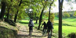 Hi ha moltes rutes per fer amb bicicleta
