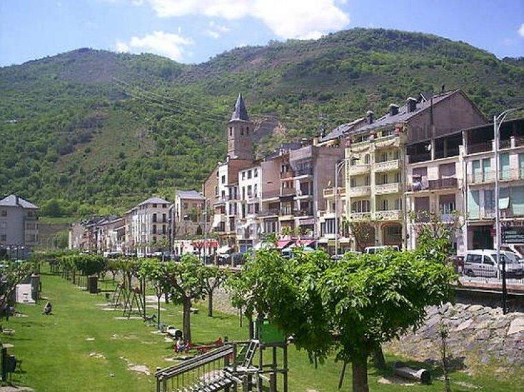 Sort és el cap de comarca del Pallars Sobirà