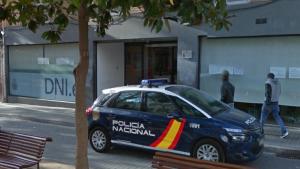 Expulsat l'Espanya l'home que va intentar sostreure una arma a un agent de la Policia Nacional a l'Hospitalet.