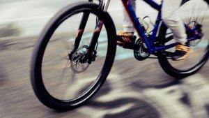 Un ciclista britànic mor en xocar amb un cotxe a Begues.