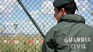 El govern espanyol augmentarà la presència de la Guàrdia Civil a l'aeroport per «garantir la seguretat i l'ordre públic».