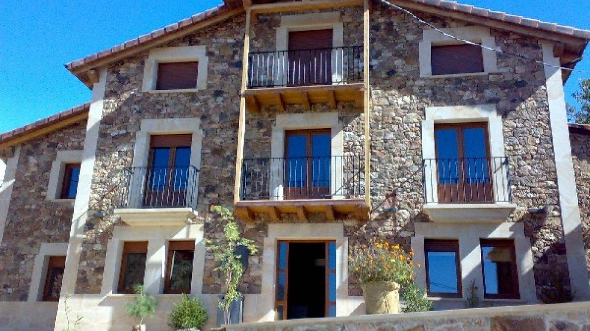 Una desgracia y una casa rural convierten a un pueblo de - Casas gratis en pueblos de espana ...
