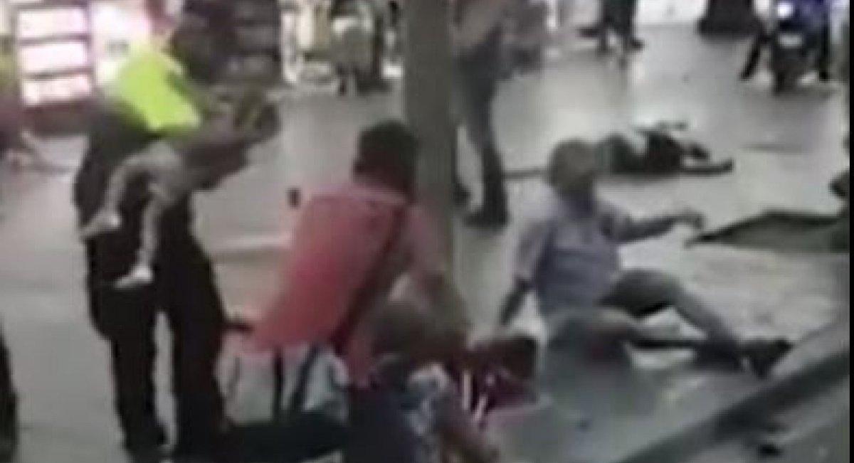Sale a la luz el vídeo de un policía calmando a un bebé en