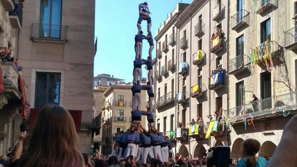 Girona enamora amb un sant narc s que brilla amb llum pr pia for Pisos xativa 9 d octubre xativa