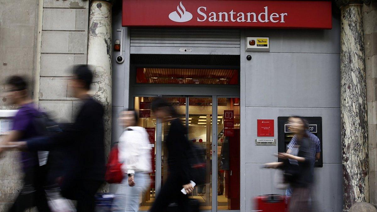 Banc santander rebaixa fins a euros el saldo for Santander oficinas valencia
