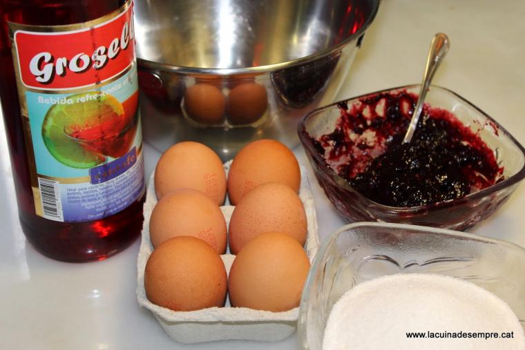 Pavlova de fruita vermella - Recepta pas a pas