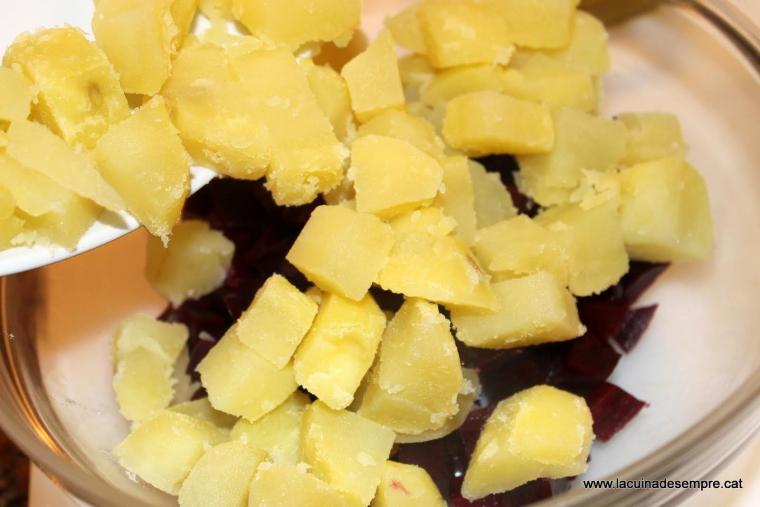 Amanida de remolatxa i patata - Recepta pas a pas
