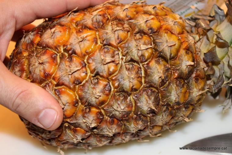 Vaset de pinya natural amb crema cremada - Recepta pas a pas